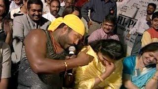 പെണ്ണുങ്ങളെ കയ്യിലെടുക്കാന് മണിച്ചേട്ടന് പണ്ടേ മിടുക്കനാ | Kalabhavan Mani Super Performance