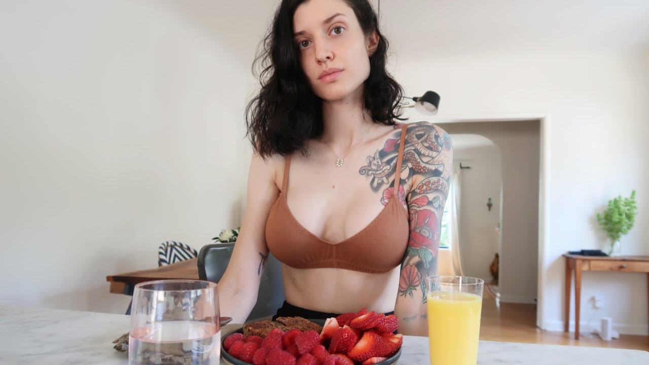 What I eat in a day (REALISTIC) 🍓🍊🌽🥦🥑🥬