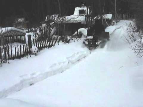 atv CF625-X6 EFI по неглубокому снегу.mpg