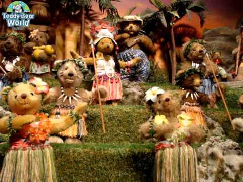hula-dance-at-teddy-bear-world-hawaii(teddy-bear-theme-park),-waikiki