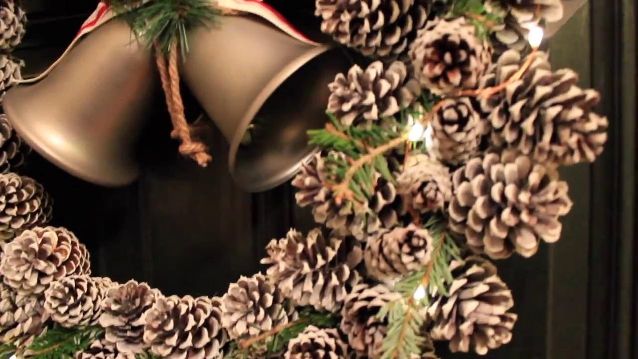 Como hacer una corona de navidad usando pi as de pino - Como hacer coronas de navidad ...