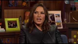 Mariska talking about Chris Meloni's sexiest asset