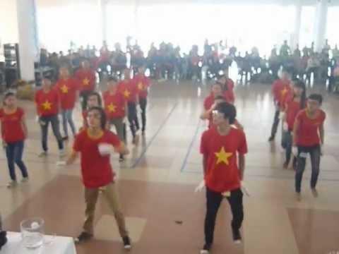 CLB Ánh Dương ,Đội Kỹ Năng Dân Vũ ( Chu Chu wa - Run To You - Anh Ba Hưng)