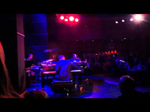 Benny Green breaks a piano string during solo on Perdido (HD)
