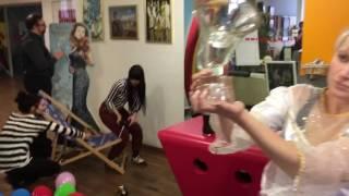Baixar Universal Music Austria - Mannequin Challenge