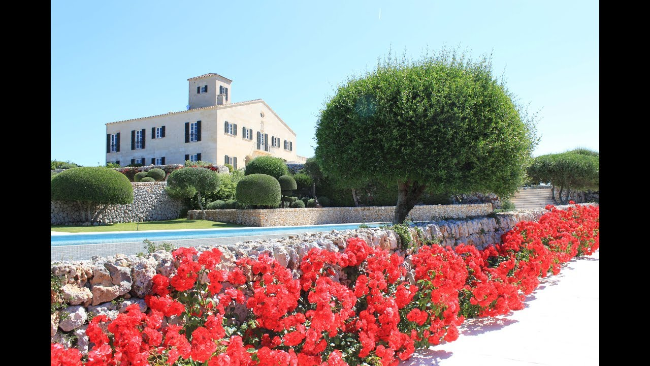 Cugo Gran Menorca Luxury Villa Rental with the services of a 5 hotel