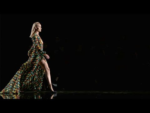 Versace | Pre-Fall 2018/2019 Full Fashion Show | Exclusive