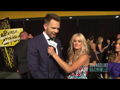 Stephanie Quayle Goes Head-To-Head with Joel McHale in Funny Face-off