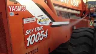 SkyTrak Reach Lift Paint Restoration With CityRestore V3 Shine