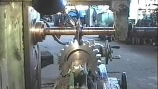 Фрезерование зубьев шестерни(Изготавливали 2 шестерни редуктора тележки портального крана КПН-40. Модуль 12, наружный диаметр 276 мм (в загол..., 2012-12-30T13:04:19.000Z)