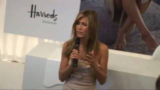 Jennifer Aniston launches own perfume