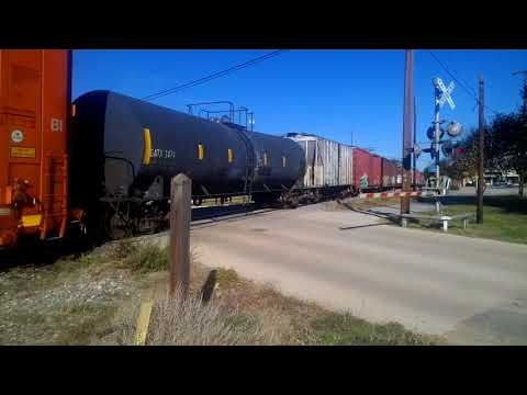 UNION PACIFIC MIXED FREIGHT. 11-23-2017.  ATHENS,  TEXAS.