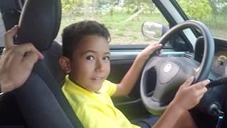Aprendendo a dirigir com 8 anos!