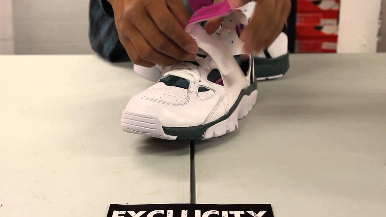 """25b8a02ab82e Nike Air Trainer Huarache PRM QS """"Dark Emerald"""" Unboxing Video at Exclucity  - YouTube"""