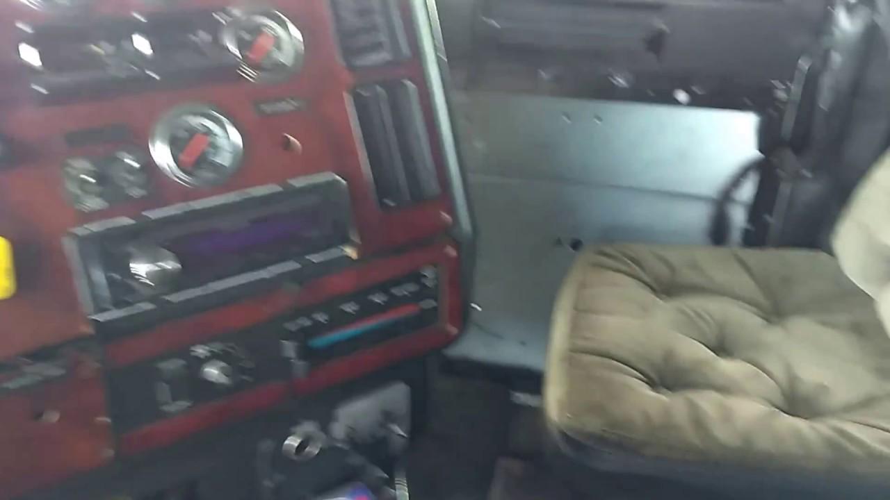 2001 Freightliner Fld120 Interior Youtube