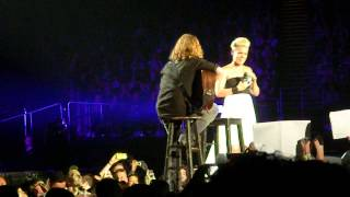 P!nk signs a fan ! Live,The O2,London. 25/Apr/13