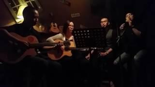 Tình như lá bay xa - Aromatic Band