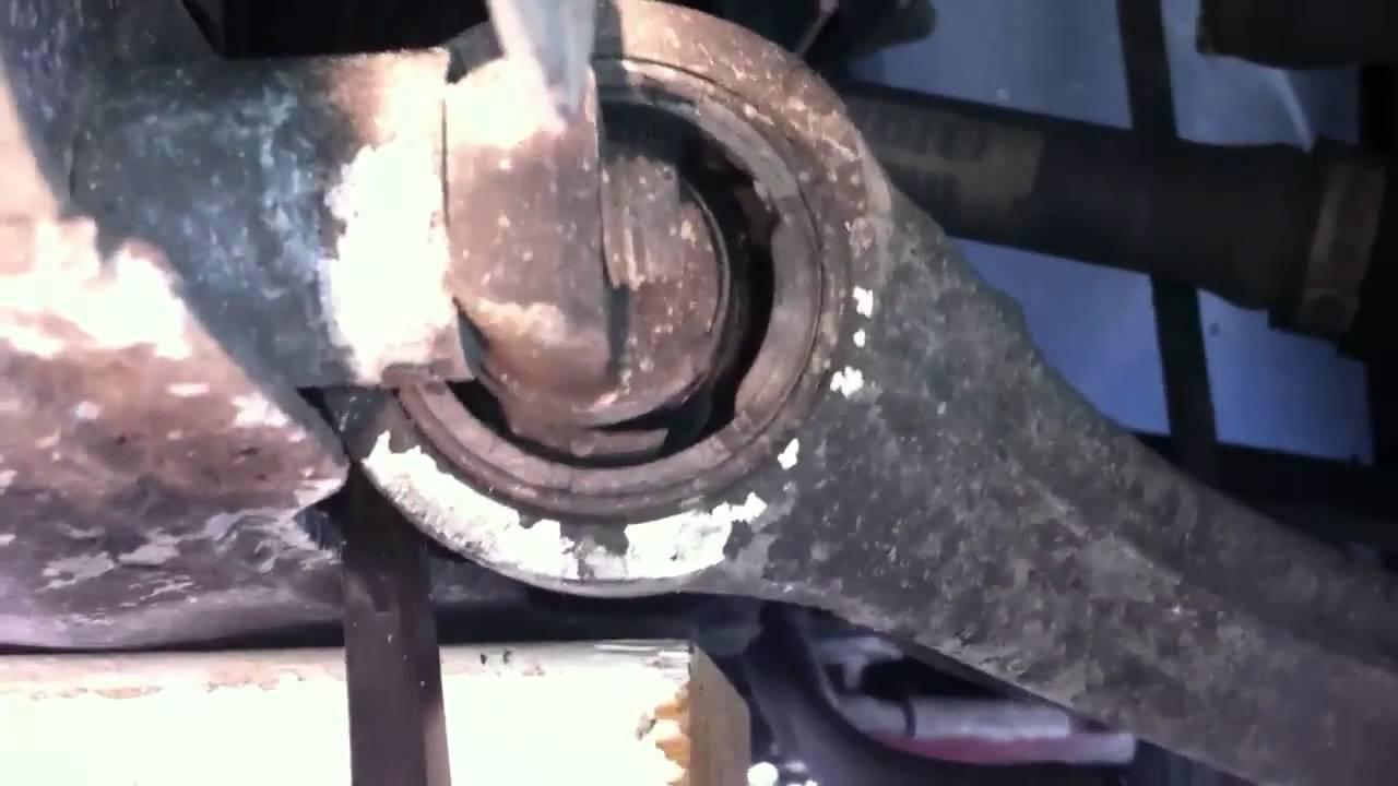 Volvo S60r Drivers Side Control Arm Bushing Youtube