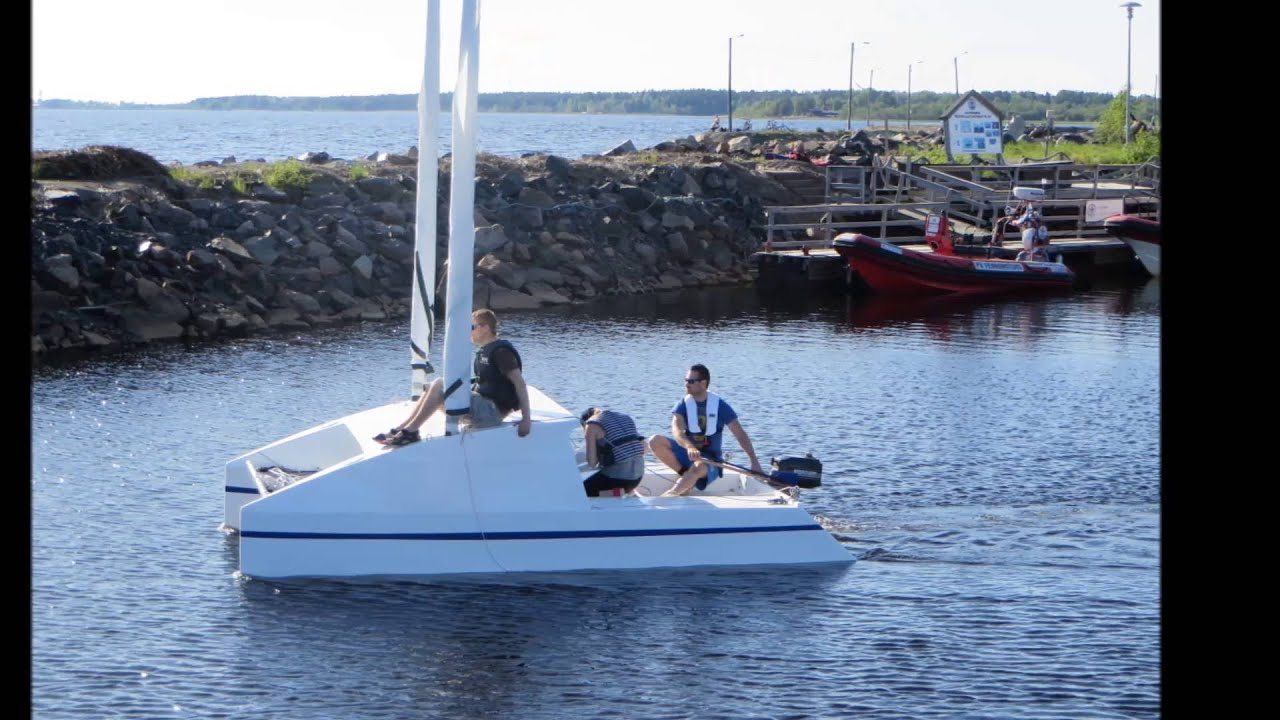 "Duo480C: 16"" trailerable catamaran build and launch - YouTube"