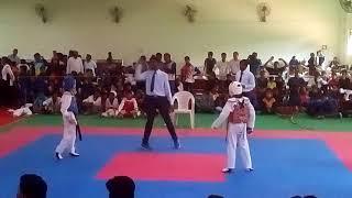 Cheating taekwondo fight in Hyderabad telangana (Nalgonda) paritosh in red chest guard round 1