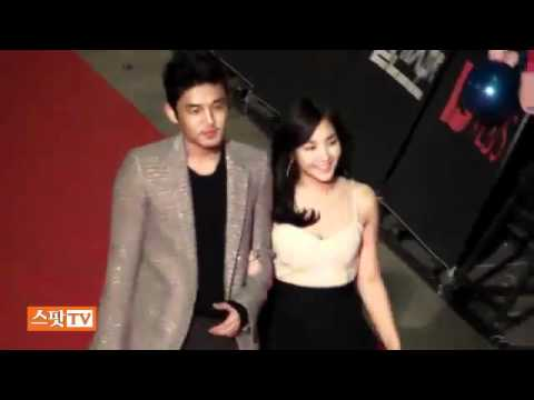 101209 Yoo Ah In & Park Min Young@Golden Disc Red Carpet