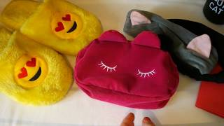 Милые вещицы. Обзор заказов с Алиэкспресс: термос, косметичка, ободок, тапочки и обложка на паспорт.