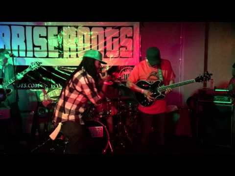 Arise Roots - Love You Right live in Laguna Niguel 2015