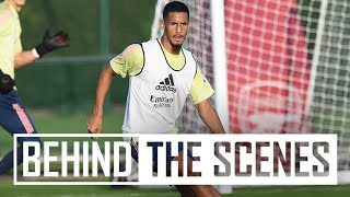 CRISP PASSING & A PARAGLIDER?! | Behind the scenes at Arsenal training centre