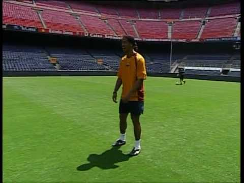FC BARCELONA - RONALDINHO SOCCER LESSONS (3/4)