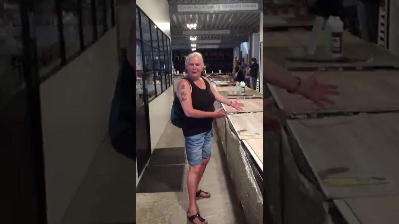 Pvc Vloeren Vriezenveen : Vriezenveen pvc vloeren blije vrouw bij beboparket youtube