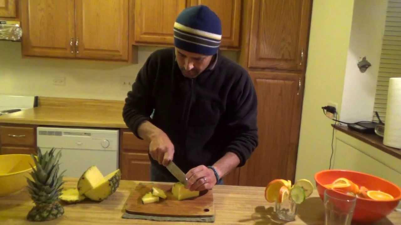 Como cortar frutas para c cteles tragos bebidas youtube for Adornos para cocteles