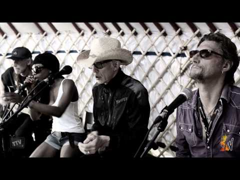 The Alabama 3 - Tenement TV - Wickerman Festival