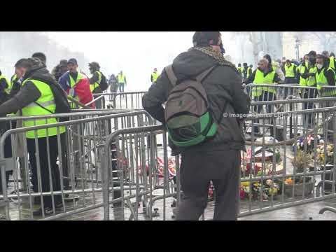 Gilets Jaunes: Combat Urbain sur la tombe du soldat inconnu. Paris/France - 1er Décembre 2018
