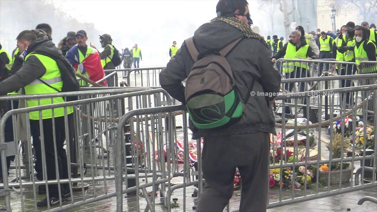 Yellow Vests | Combat Urbain sur la tombe du soldat inconnu. Paris/France - 1er Décembre 2018