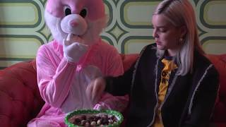 Video Anne-Marie gets challenged by the Easter bunny! download MP3, 3GP, MP4, WEBM, AVI, FLV Oktober 2018