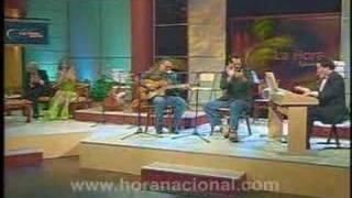 La Hora Nacional  -  Hugo Hidrovo y Héctor Napolitano feat Paco Godoy - Cangrejo Criminal: