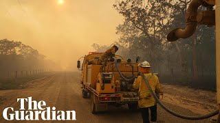 Smoke blankets parts of Queensland  amid evacuations
