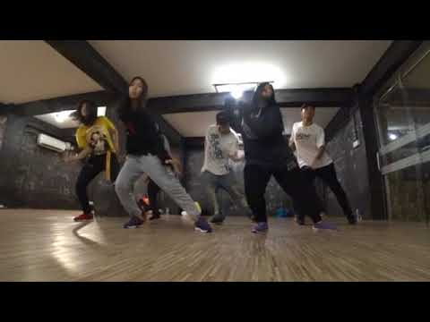 Lockin Class by Henry from Taiwan (The Dance Lab Myanmar)