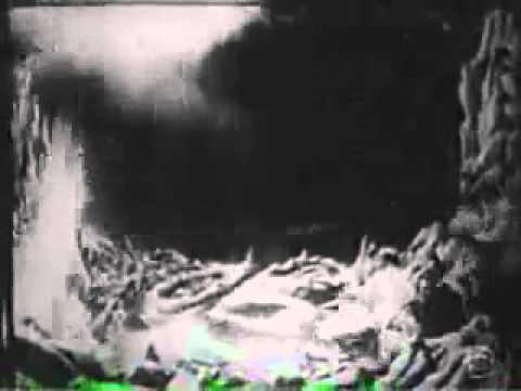 primera pelicula de la tierra a la luna.FLV