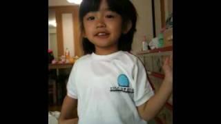 """Kirsten's singing """"Inu no Omawari san (Maigo no Koneko chan)"""""""