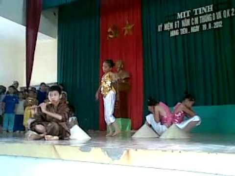 Em Dắt Trâu Ra Đồng - Tốp múa xóm Phúc Chỉ thể hiện.