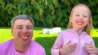 Nastya e seu pai aprendem o alfabeto inglês