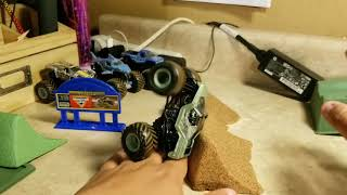 Spin Master Monster Jam Monster Dirt Deluxe Set with Soldier Fortune Review