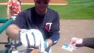Luke Hughes signing autographs!