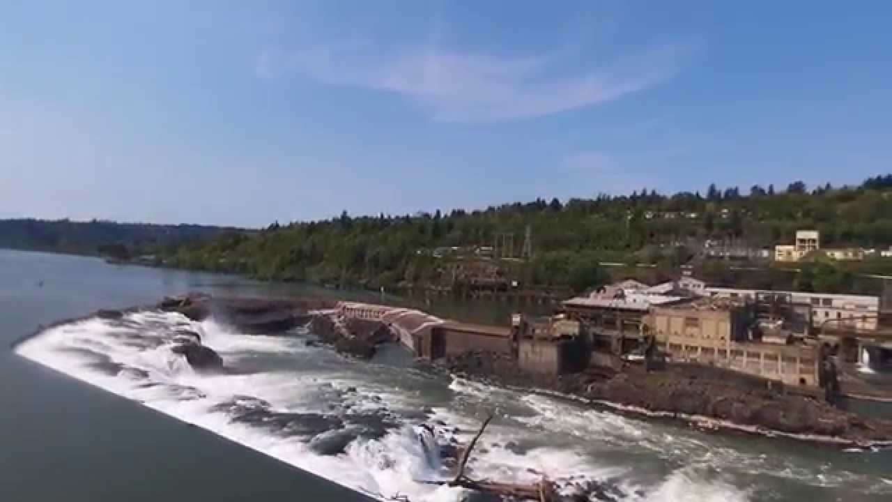 Parrot Bebop Drone Emergency Landing at Willamette Falls