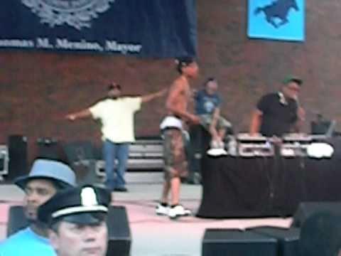 Wiz Khalifa performs THIS PLANE live at Boston City Hall Plaza