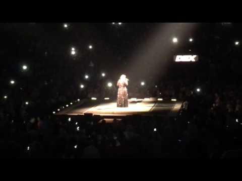 Adele - Hello - Live in Nashville