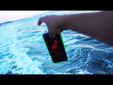 DROPPED PHONE IN THE OCEAN