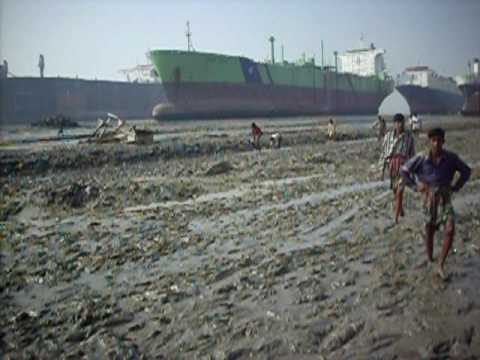 Chittagong Ship-Breaking Yards (II) - www.travelyourassoff.com