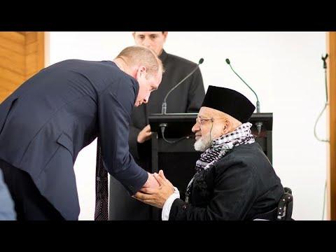شاهد: الأمير وليام يزور مسجد النور في كرايستتشيرش ويلتقي ناجين من الهجمات…  - نشر قبل 3 ساعة
